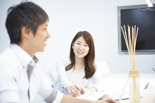 ビズメイツ 株式会社/【コンサルティング営業(大阪)】法人顧客からの高まるニーズに応えていく営業チームを構築中。コンサルティング営業として、人材育成を通して企業課題の解決を提案してみませんか?