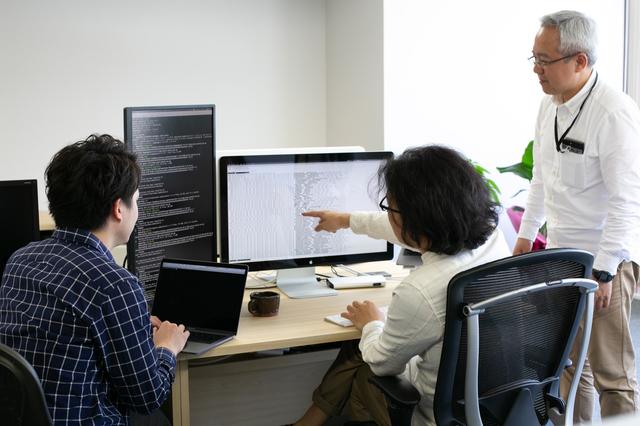 コロニーインタラクティブ 株式会社/年休124日/メリハリのある勤務でプライベートも充実/福岡に住みながら有名企業のEC構築/オンプレだけでなくAWSなど最新のクラウドサーバの運用を経験したいインフラエンジニアを募集
