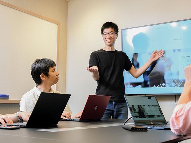 株式会社 鶴/【戦略コンサルタント(DX)】戦略立案から実行支援までをワンストップで支援するメンバーを募集